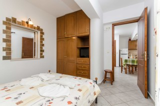 basement family apartment antonia-04