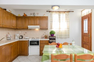 basement family apartment antonia-06