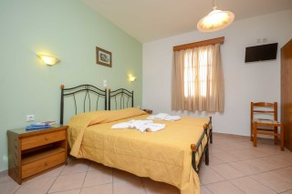 standard double room antonia-02